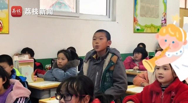 小学生用戏腔唱游山恋,网友:老天爷赏饭吃